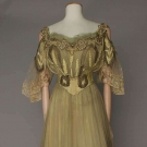 BEER COUTURE CELERY SILK GOWN, PARIS, c. 1902